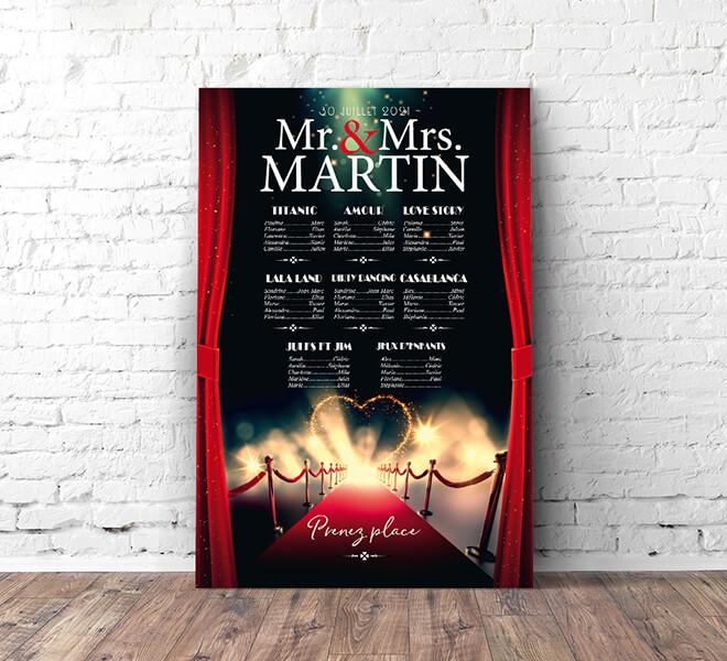 Plan de table de mariage cinéma chic vintage - affiche film pour un mariage sur le thème du cinéma bleu et rouge tapis rouge rideau strass paillette © www.alpagart.fr